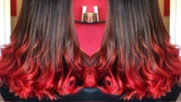 Nâu-đỏ là một combo hoàn hảo cho những cô nàng mạnh mẽ.