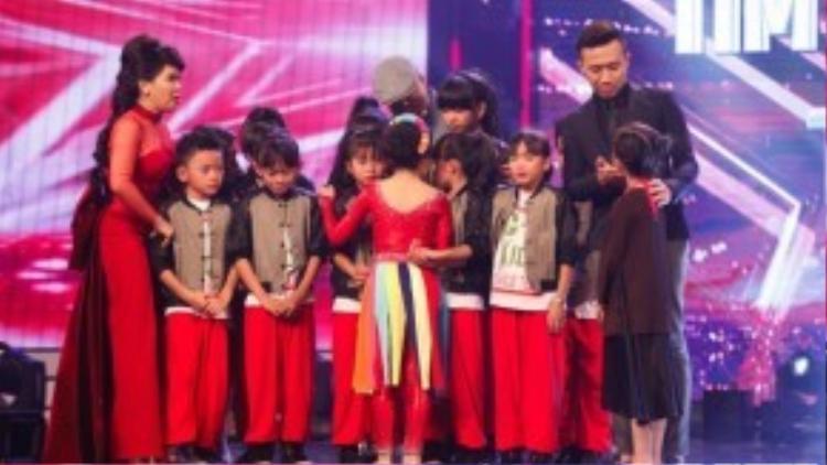 Dù phải chia tay chương trình nhưng nhóc Củ Chi vẫn có quyền tự hào vì nhóm là nhóm nhảy nhỏ tuổi nhất từng được vào Vòng bán kết của chương trình trong suốt cả 4 mùa qua.