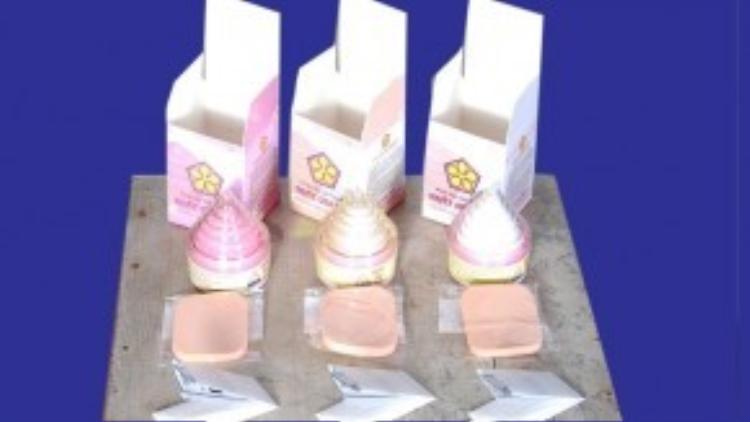 Đây có lẽ là sản phẩm khiến bạn nhớ nhất, với thành phần chủ yếu là thạch cao được nung ở lò than ở nhiệt độ cao. Sản phẩm đem đến cho người dùng một làn da trắng hồng tự nhiên thông qua tác dụng dưỡng da và chống nắng lâu dài chứ không thông qua cơ chế tẩy trắng làn da trong ngắn hạn.