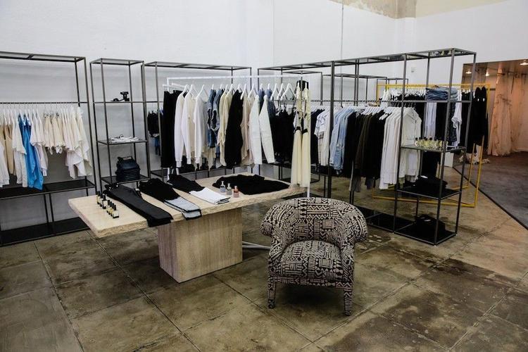 5 concept fashion store đầy màu sắc tại New York