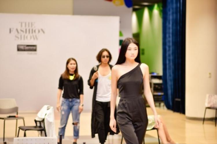 Lộ diện dàn chân dài khủng tham dự The Fashion Show