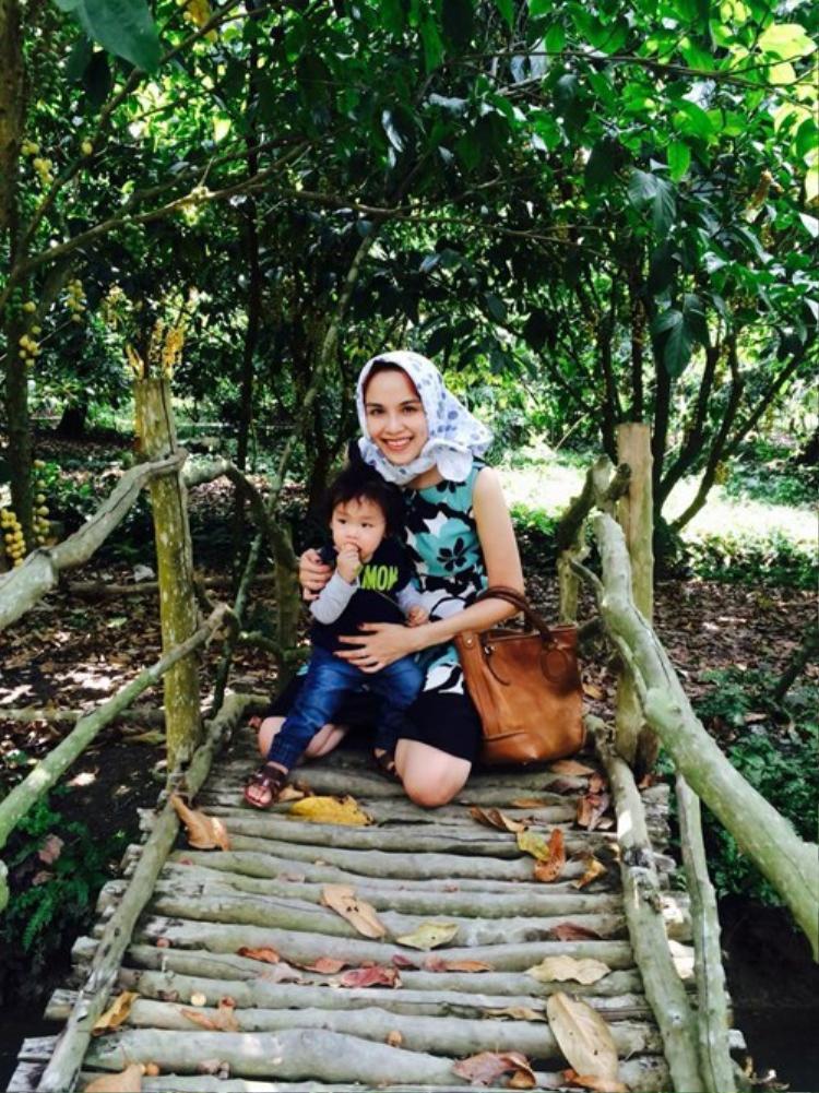 Diễm Hương chia sẻ kinh nghiệm du lịch cùng con trai khi tới Cần Thơ