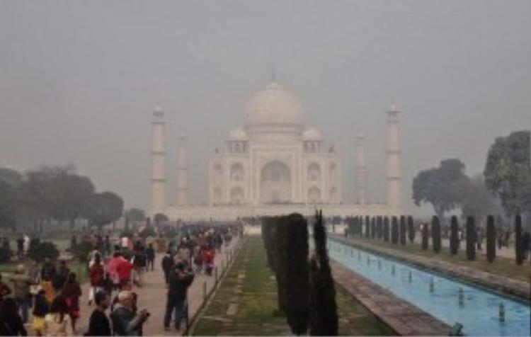 Đền Taj Mahal trước khi qua ống kính và bàn tay ma thuật của các nhiếp ảnh gia.