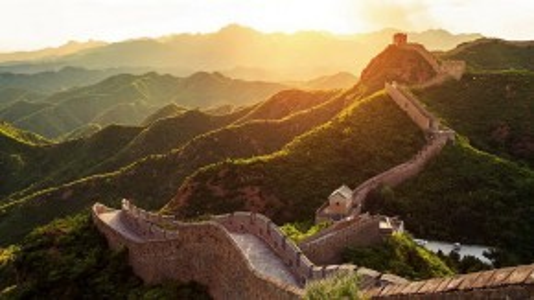 Vạn Lý Trường Thành - công trình kiến trúc nổi tiếng của Trung Quốc. Ai cũng mong muốn được một lần đặt chân đến.