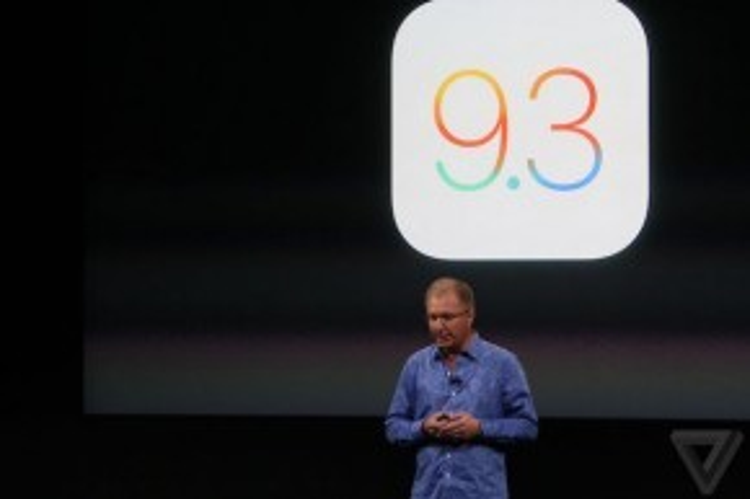 iOS 9.3 có thể tự động điều chỉnh màn hình ấm hơn vào buổi tối để người dùng cảm thấy dễ chịu hơn. Ứng dụng ghi chú Notes có thêm cơ chế bảo vệ bằng mật khẩu.Ứng dụng nhạc và bản đồ được cải tiến trong CarPlay.Nhưng tính năng 3D Touch đãbịcắt đi.