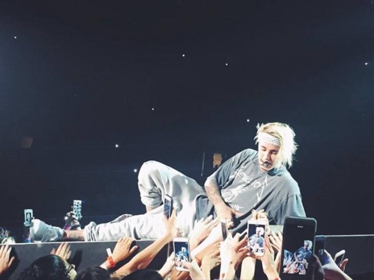 Cùng ngắm những khoảnh khắc chất muốn xỉu của Justin Bieber tại tour diễn thế giới