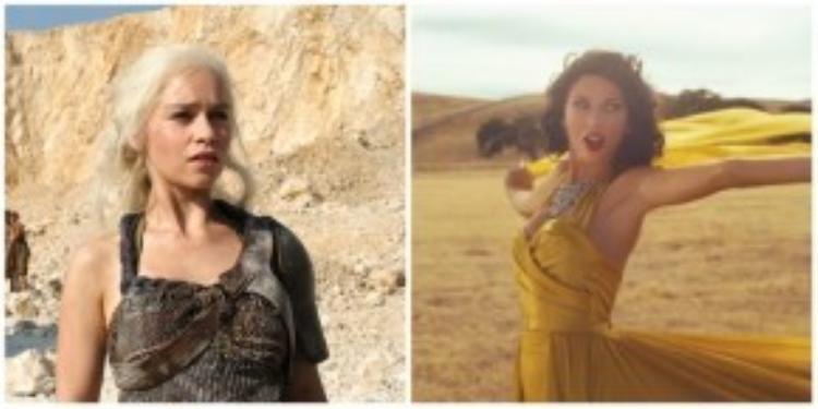 Mẹ Rồng và Taylor trên sa mạc với mẫu váy có phần cúp ngực cực giống nhau.