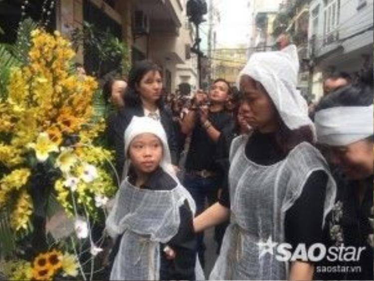 Một số hình ảnh đoàn đưa tang trên đường di chuyển về nhà riêng của Trần Lập, trước khi anh về an nghỉ tại Công viên nghĩa trang Thiên Đức.