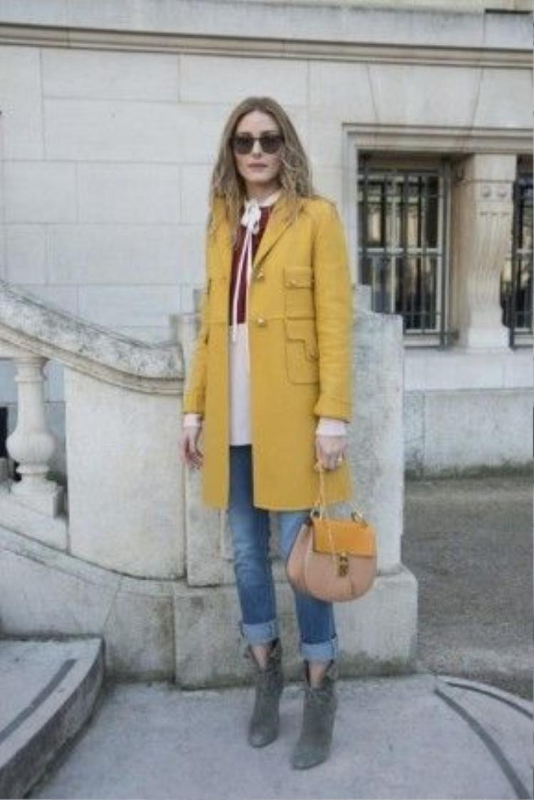 Mẫu túi xách với tên gọi Drew của thương hiệu Chloé cũng từng tạo được hiệu ứng tích cực trong làng thời trang quốc tế.
