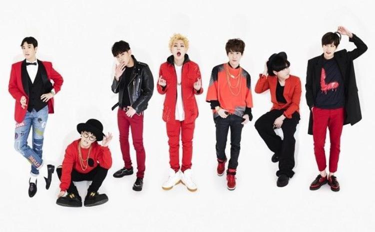 Mừng ngày trở lại, Block B cho dàn xe Mini Cooper 'diễu hành' khu Gangnam