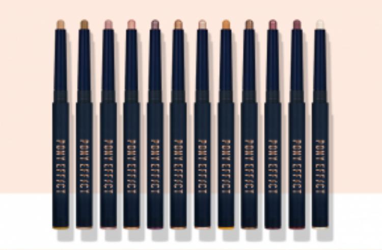 Bộ bút kẻ gồm 12 màu mang đến cho các bạn những sự lựa chọn đa dạng.