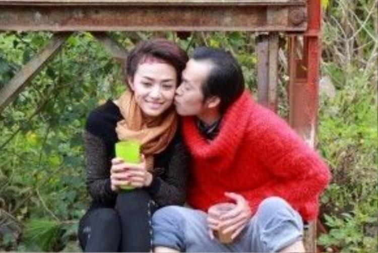 Hơn cả một đàn anh, Hoài Linh còn là người khiến Tinna Tình nể trọng vì tính cách bình dị.