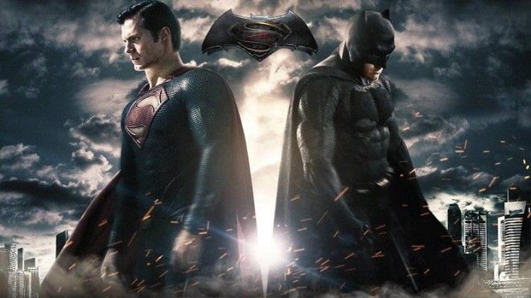 Batman v Superman có phải lần đầu giới phê bình ngược chiều khán giả?