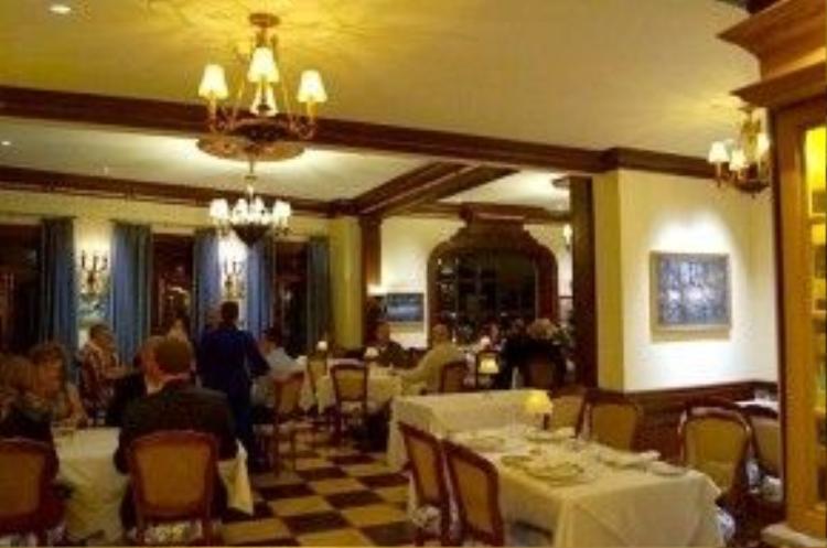 Không gian sang trọng, trang nhã bên trong nhà hàng của Club 33.