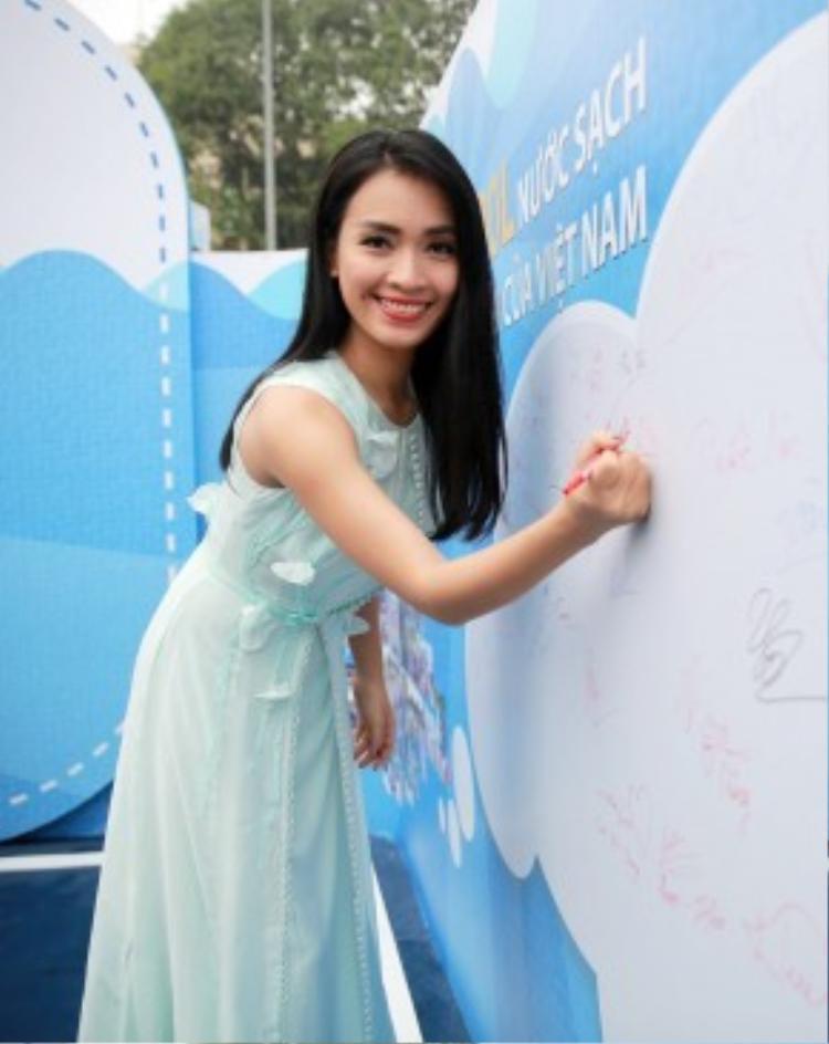 Ca sĩ Ái Phương chia sẻ, cô luôn mong muốn được chung tay cùng các hoạt động cộng đồng ý nghĩa để nâng cao nhận thức cộng đồng về các vấn đề xã hội.