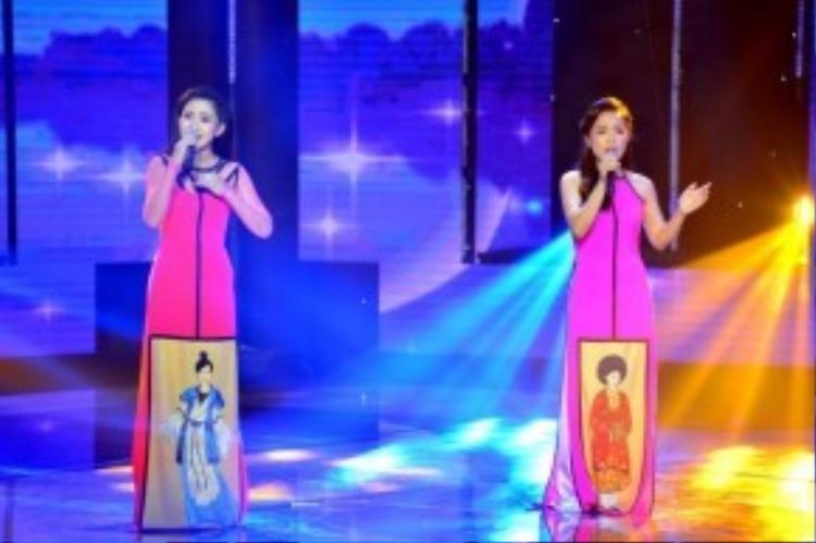 Hai cô nàng Kim Cương và Yên Nhiên đã cùng thể hiện một phần trình diễn ca khúc Ca dao em và tôi tuyệt vời đến mức khiến huấn luyện viên Quang Linh nhầm tưởng là đang nghe đĩa nhạc chứ không phải phần thi.