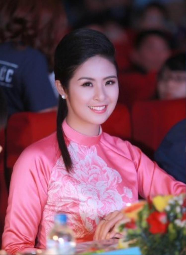 Được biết, trong thời gian này, Ngọc Hân rất bận rộn với những dự án kinh doanh thời trang của mình. Hoa hậu gốc Hải Phòng đang cùng em trai mở một thương hiệu thời trang nam tại TP HCM.