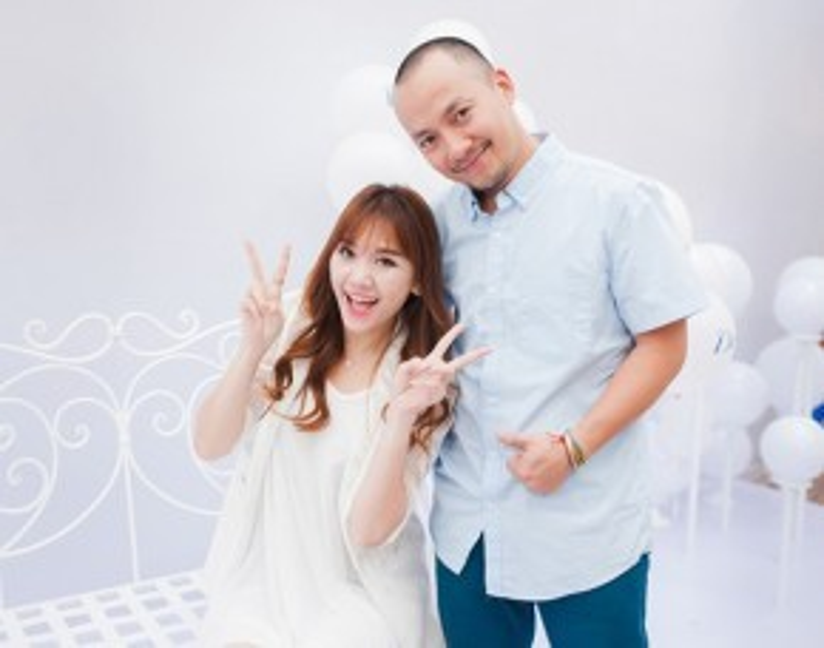 Hari Won và Tiến Đạt đã từng có hơn 8 năm gắn bó, yêu thương nhau. Mặc dù đã chia tay, nhưng cả hai vẫn giữ được tình bạn đẹp khiến công chúng ngưỡng mộ.