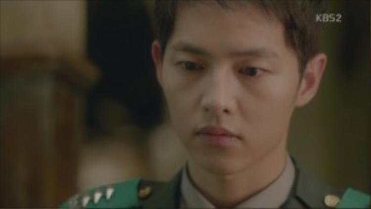 """""""Người lính luôn sống trong quan tài. Khi chết ở một vùng đất vô danh vì tổ quốc, vùng đất đó sẽ trở thành nấm mồ và quân phục sẽ thành quan tài."""" - Yoo Shi Jin"""