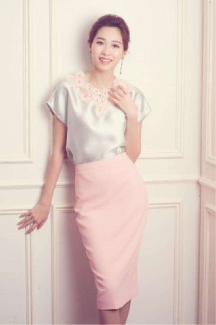 Hot trend màu của năm với hồng thạch anh và xanh thanh bình được chọn làm màu chủ đạo trong những mẫu thiết kế mới nhất.