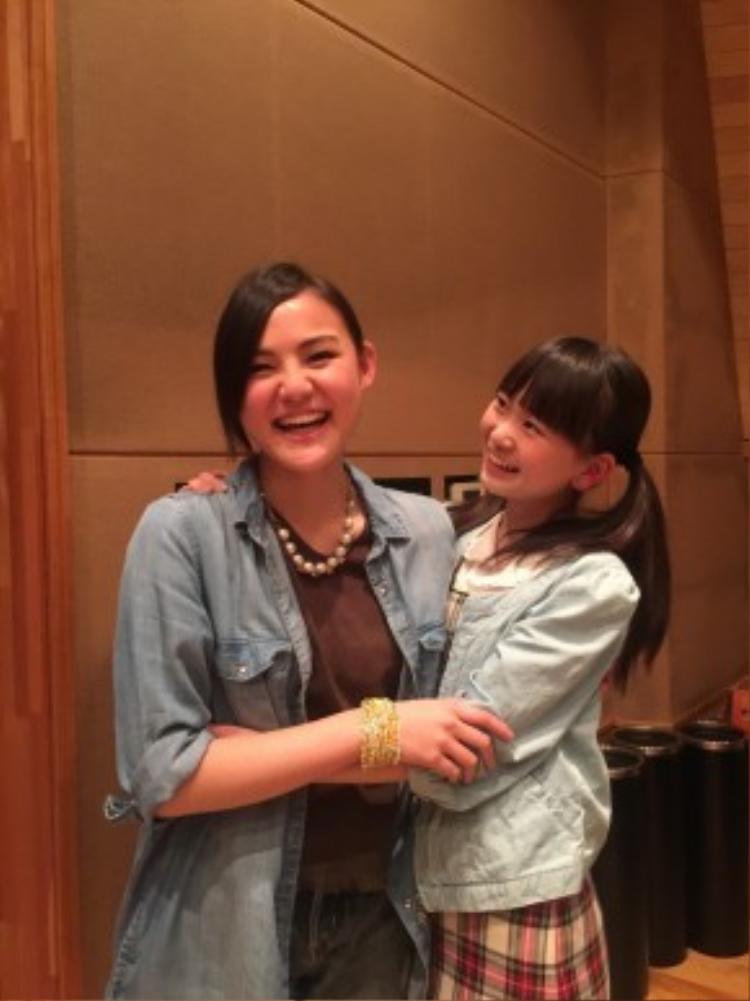 Nagisa Shinomiya và Yukina Hashimoto của REV for TEENZ