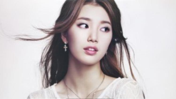 Vẻ đẹp trong sáng nhưng không kém phần quyến rũ của Suzy.