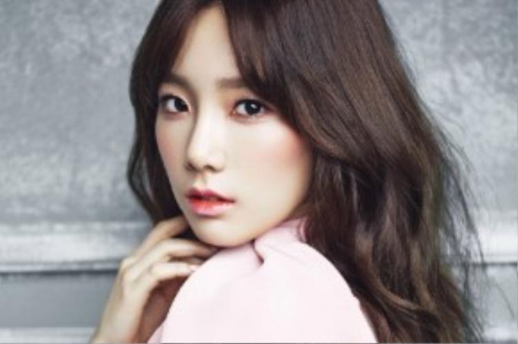 Uống 2 lít nước mỗi ngày giúp làn da của Taeyeon luôn khỏe và mịn màng.