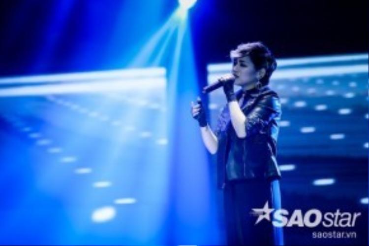 Á quân The Voice mùa 3 - Yến Lê sẽ thể hiện ca khúc Quay Lưng - một trong những sáng tác của cô nàng.