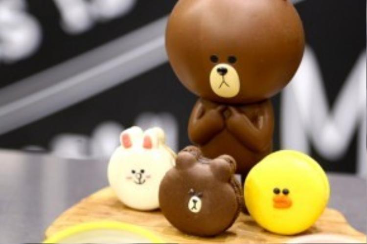 """Thậm chí, anh chàng Gấu Brown và hai người bạn của mình còn có khá nhiều biểu cảm """"dễ ghét"""" đến mức chẳng ai nỡ đụng vào!"""