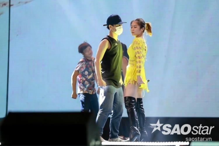 Hương Tràm bất ngờ tung ca khúc mới ngay trước thềm Gala The Remix 2016