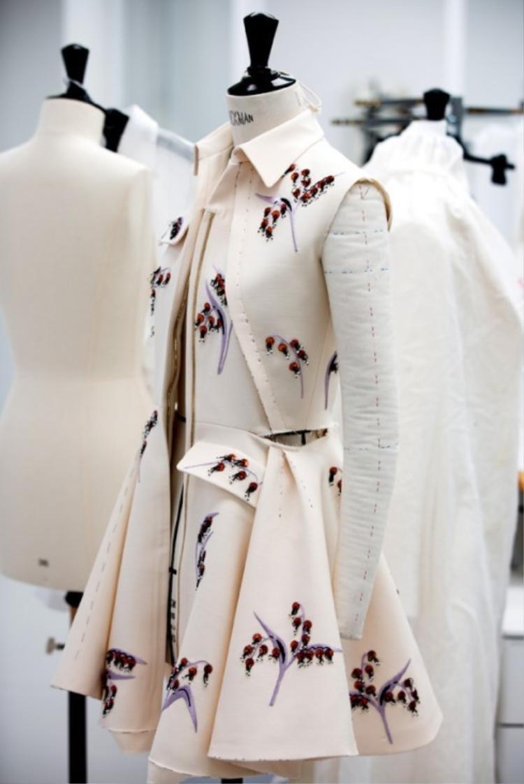 Cận cảnh bộ sưu tập thời trang Thu Đông 2016 của Dior