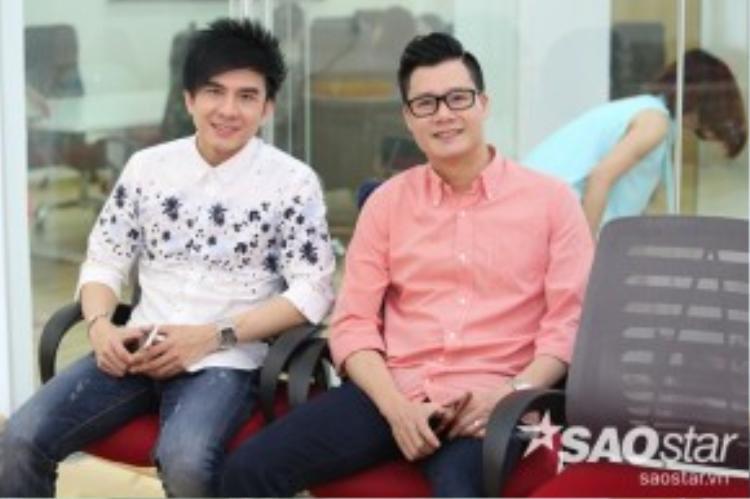 HLV Đan Trường và Quang Dũng khỏe vẻ đẹp điển trai, lịch lãm không tuổi của mình tại buổi họp mặt cùng các thí sinh.