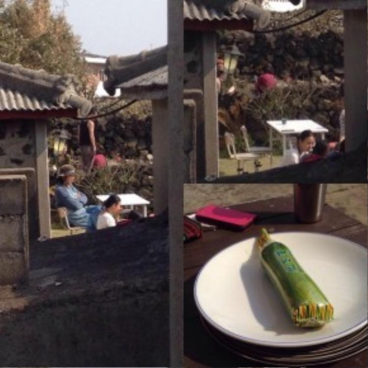 Nhà hàng ăn chay của Hyori được đặt tại một căn nhà gỗ đơn giản với khuôn viên phía trước là cánh đồng cỏ xanh mướt.