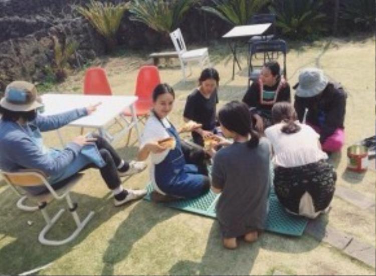 """Cuộc sống giản dị hiện tại của """"biểu tượng sexy"""" một thời Lee Hyori."""