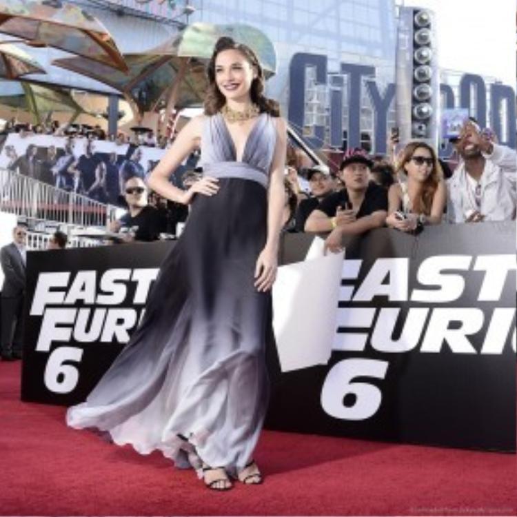 """Gal Gadot xuất hiện tại lễ công chiếu """"Fast and Furious 6""""."""