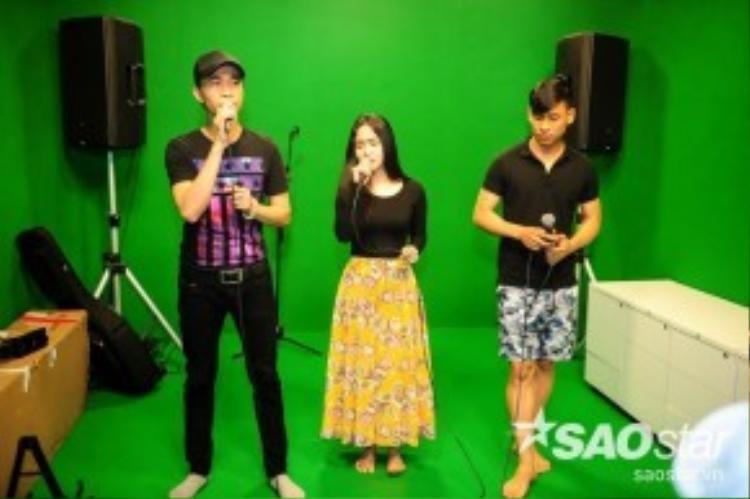 Ở đêm thi đầu tiên này, Trường Sơn, Phương Anh và Huỳnh Thật sẽ kết hợp trong một liên khúc đặc biệt hoành tráng.