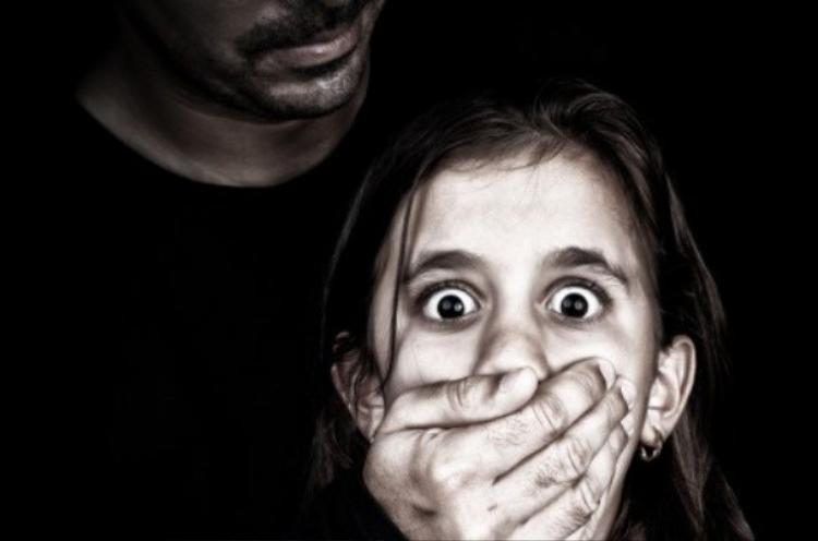 Bảo vệ con khỏi ấu dâm: Cha mẹ cần biết!
