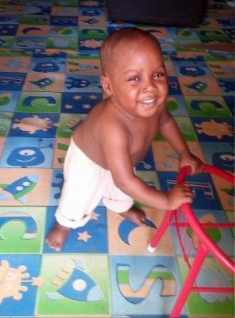 Sự thật là hiện tại bé Hope đang sống hạnh phúc trong một trại trẻ mồ côi.