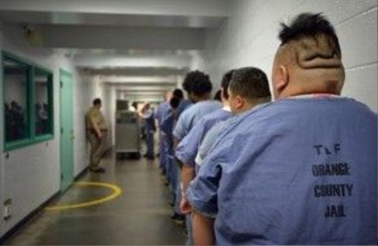 Nơi đây giam giữ phần lớn các tội phạm cực kỳ nguy hiểm, kể cả tử tù chờ ngày ra pháp trường và các tù nhân chờ ngày chuyển lên nhà tù bang California.
