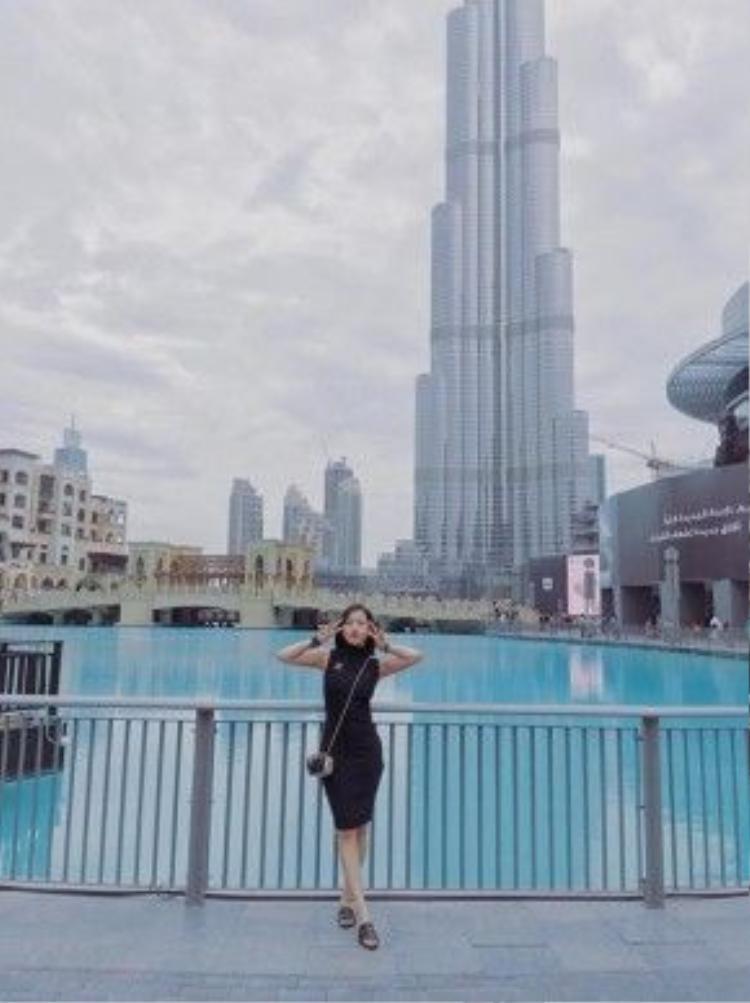 Milan Phạm ở thành phố Dubai trong chuyến du lịch mới đây nhất.