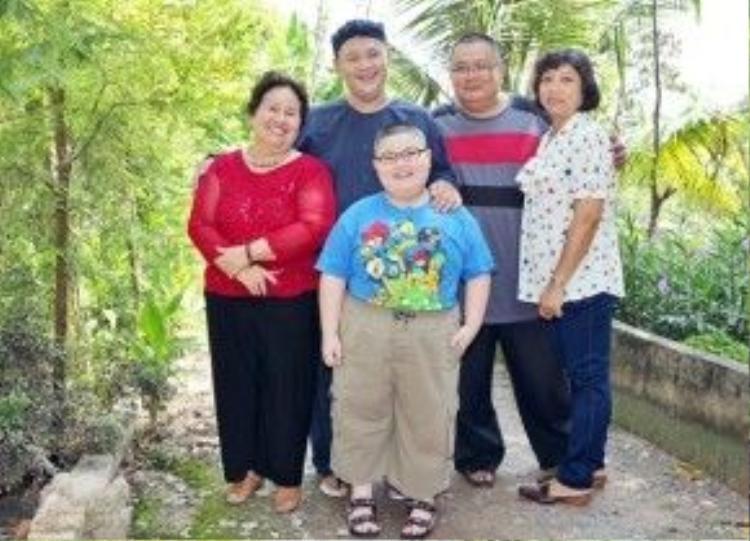 Công an và phóng viên có đến tìm nhưng mẹ và chị dâu Minh Béo từ chối tiếp chuyện người lạ.