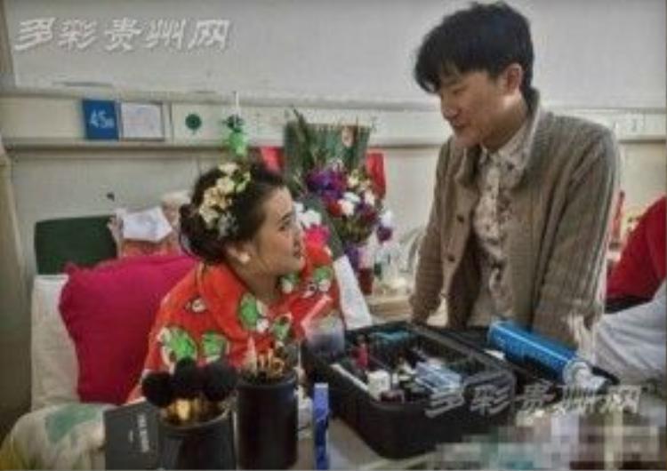 Mặc dù biết rõ bệnh tình của Yi nhưng Fu vẫn luôn yêu thương và bên cạnh chăm sóc cho bạn gái.