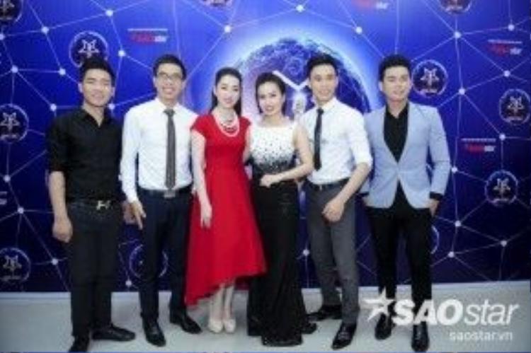 Các thành viên trong team Cẩm Ly.