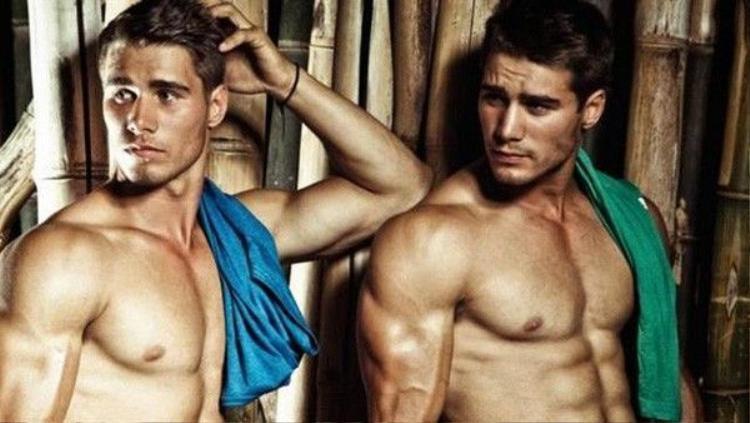 Xôn xao chuyện tình éo le của cặp đồng tính nam điển trai