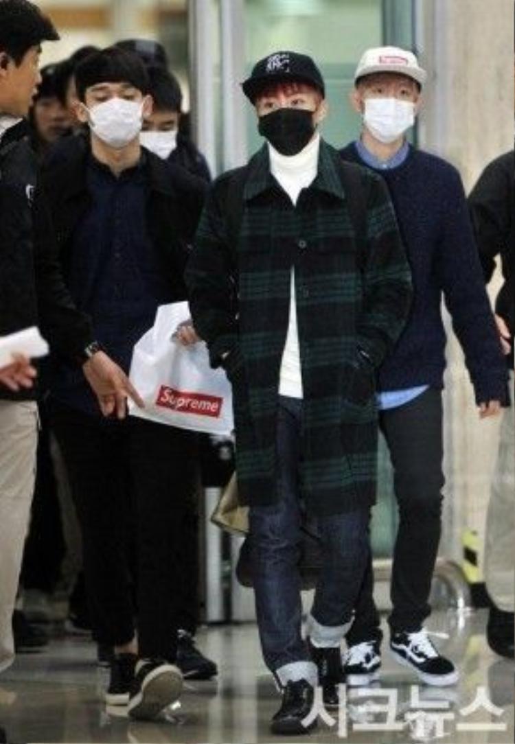 Hay lịch lãm hơn với giày tây theo cách mà Chen, Kai và Xiumin mặc.