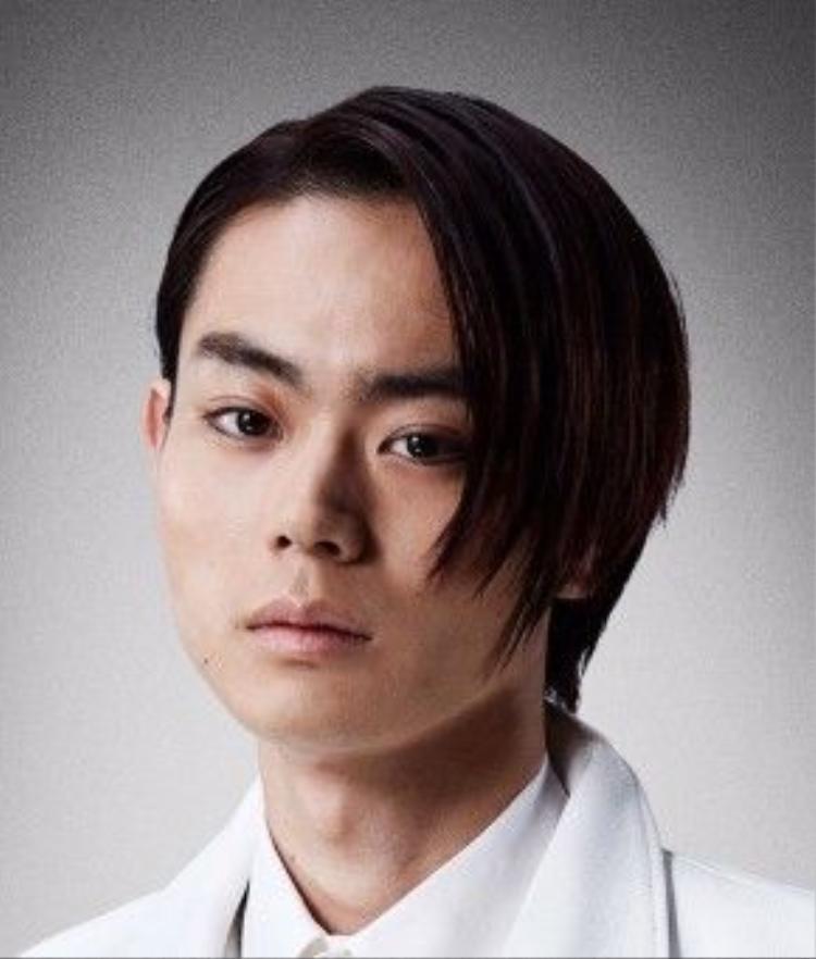 Suda Masaki trong vai tên cuồng tín Kira - Shion Yuugi