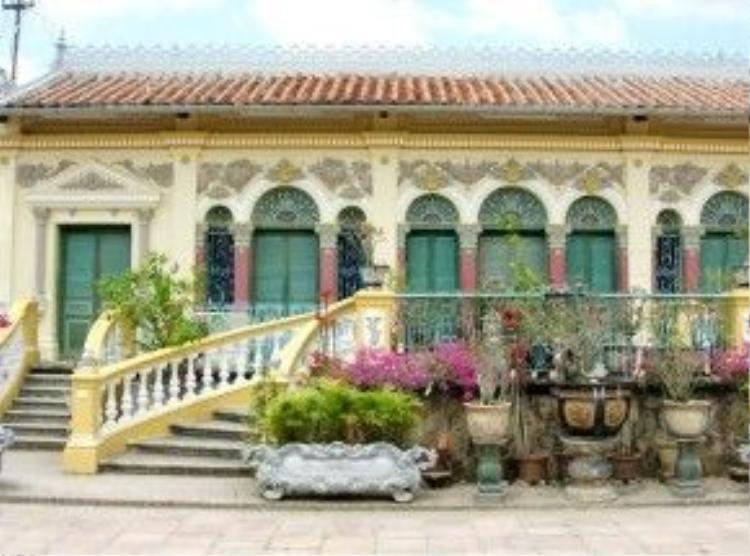 Nhà cổ Bình Thủy được nhiều người ghé thăm khi tới Cần Thơ. Ảnh: Ái Nam.