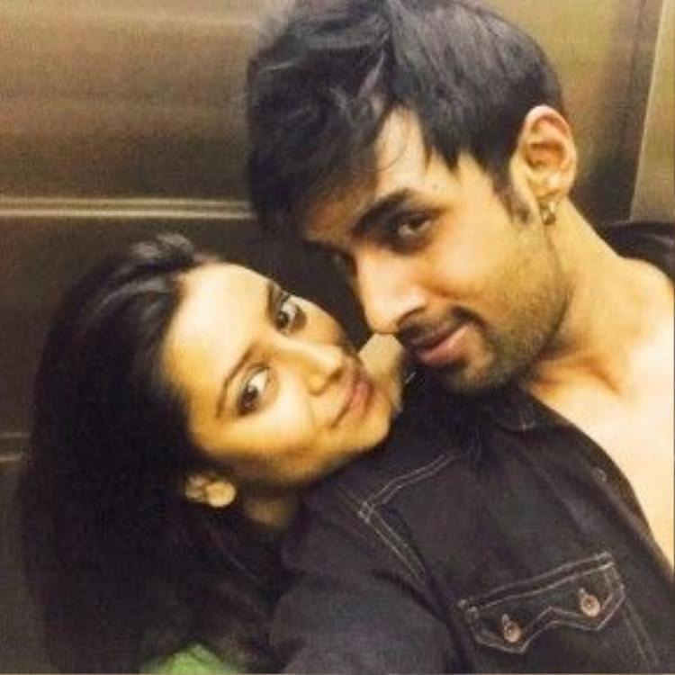 Pratyusha Banerjees và vị hôn phu Rahul Raj Singh thuở còn mặn nồng.