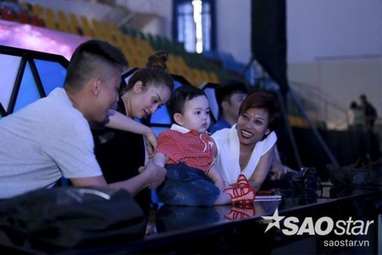 Soobin Hoàng Sơn, Hương Tràm mang hit từ The Remix tấn công Vip Dance