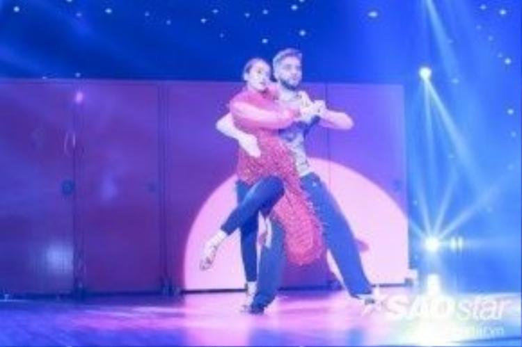 Yến Trang quay lại với sân khấu Bước nhảy Hoàn vũ với vai trò ca sĩ khách mời.